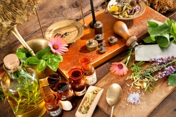 10 Natural Remedies for Thyroid Problems - ThyroMate