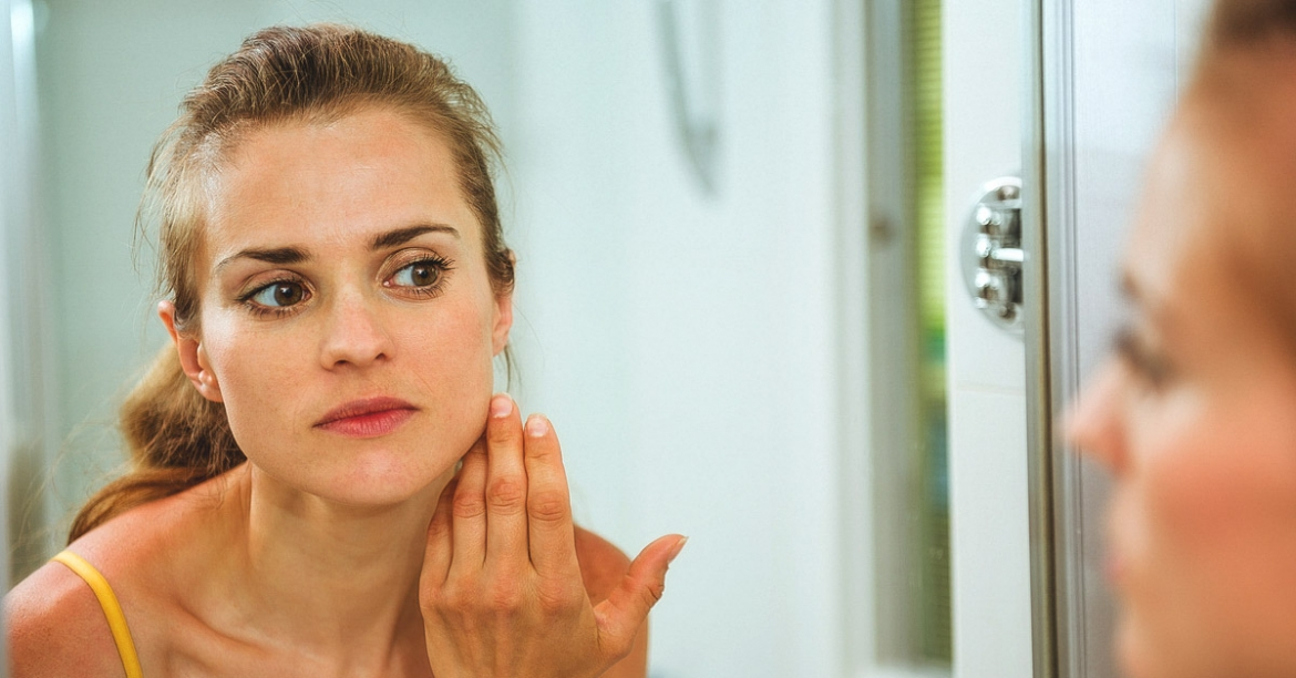 Why facial swelling happens with hypothyroidism and what to do